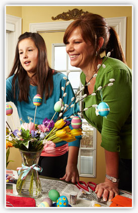 egg_decorating_1.jpg